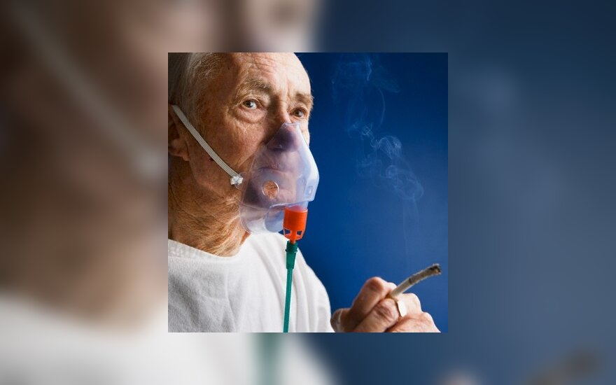 Dūmai prakiurdo rūkalių plaučius