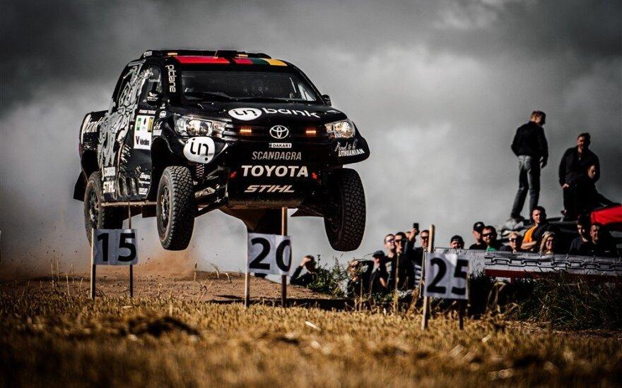 """""""Team Pitlane"""" Lenkijoje matuojasi naują """"rūbą"""" – tęsia pasiruošimą Dakaro raliui"""