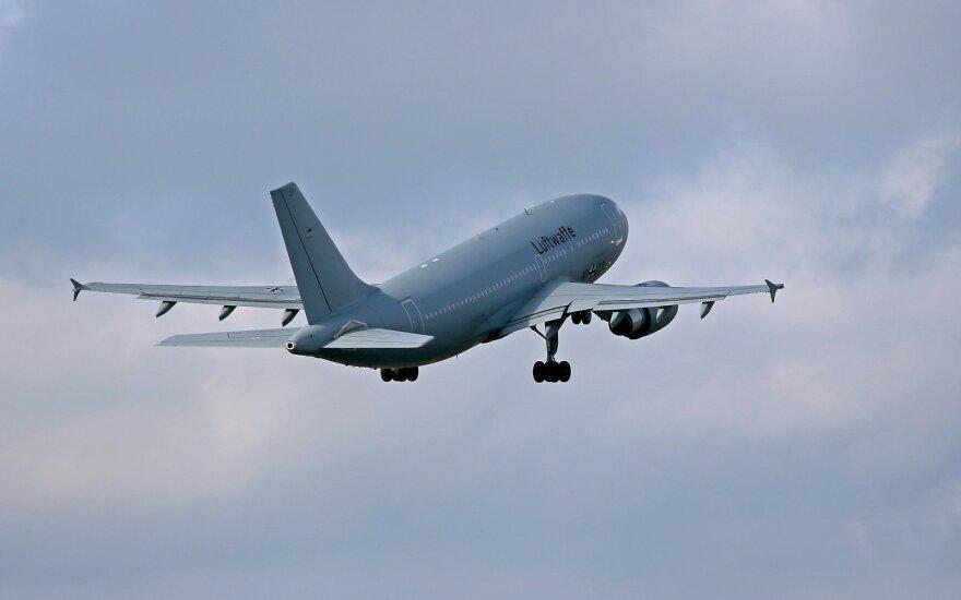 """Vokietija ketina įsigyti naikintuvų iš """"Airbus"""" ir """"Boeing"""""""