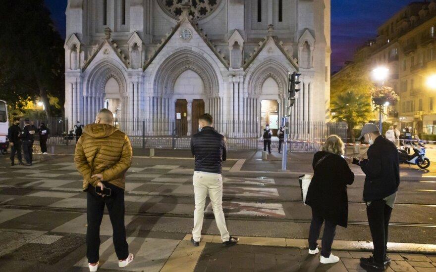 Po Nicos išpuolio Prancūzija perspėja savo piliečius visame pasaulyje