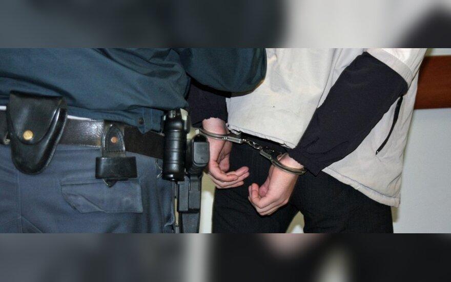 Visaginietis įtariamas 20 metų vyresnės moters išžaginimu