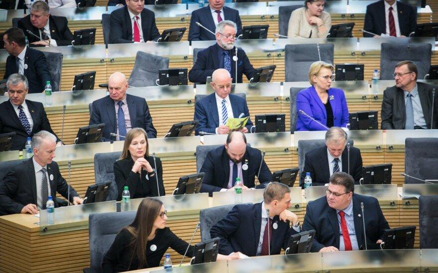 Dešimtys žinomų visuomenės veikėjų ragina nemažinti Seimo narių skaičiaus