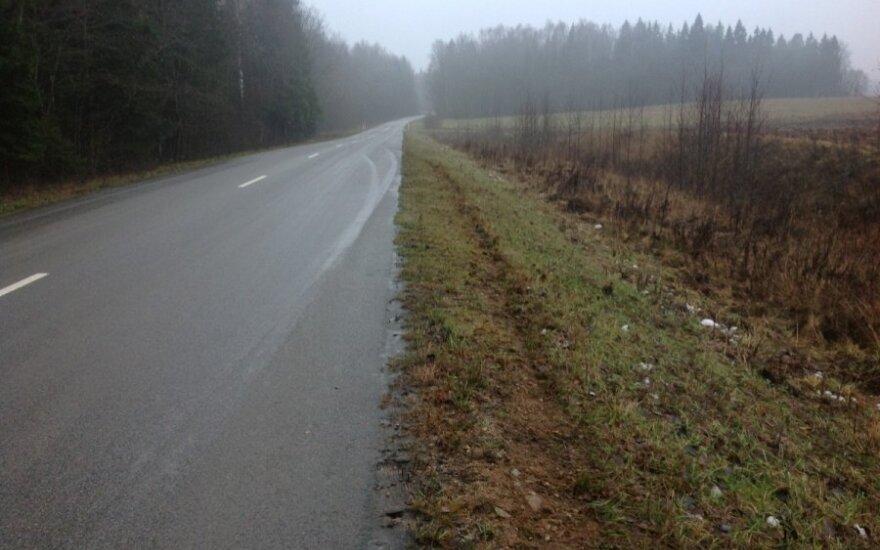 Perspėjimas vairuotojams: keliuose – plikledis