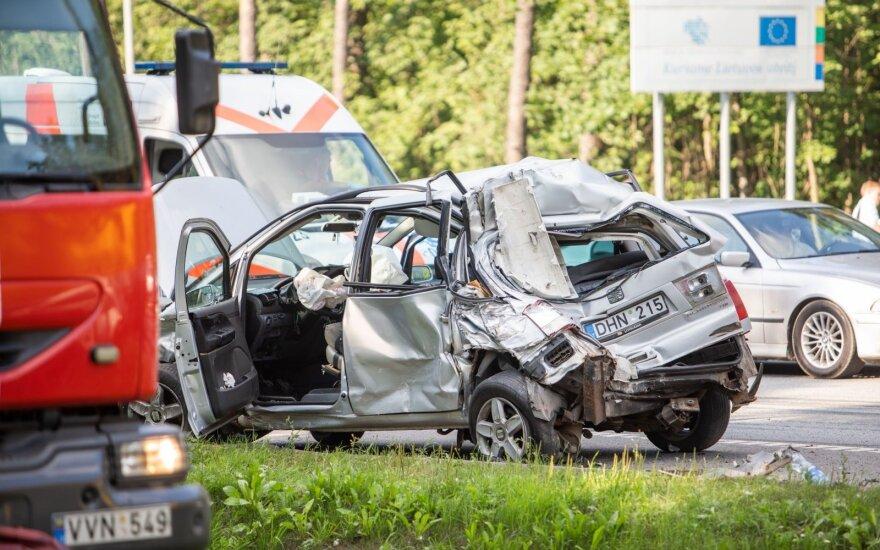 Įvertino, dėl ko Lietuvoje įvyksta nemažai avarijų