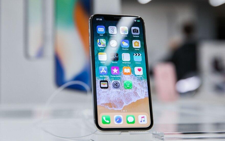 """""""Apple"""" iš naujos """"iPhone"""" operacinės sistemos versijos kalendoriaus pašalino... Velykas"""