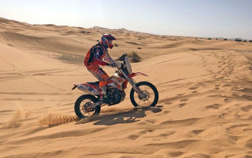 Arūnas Gelažninkas finišavo Merzūgos ralyje ir gavo teisę varžytis Dakare