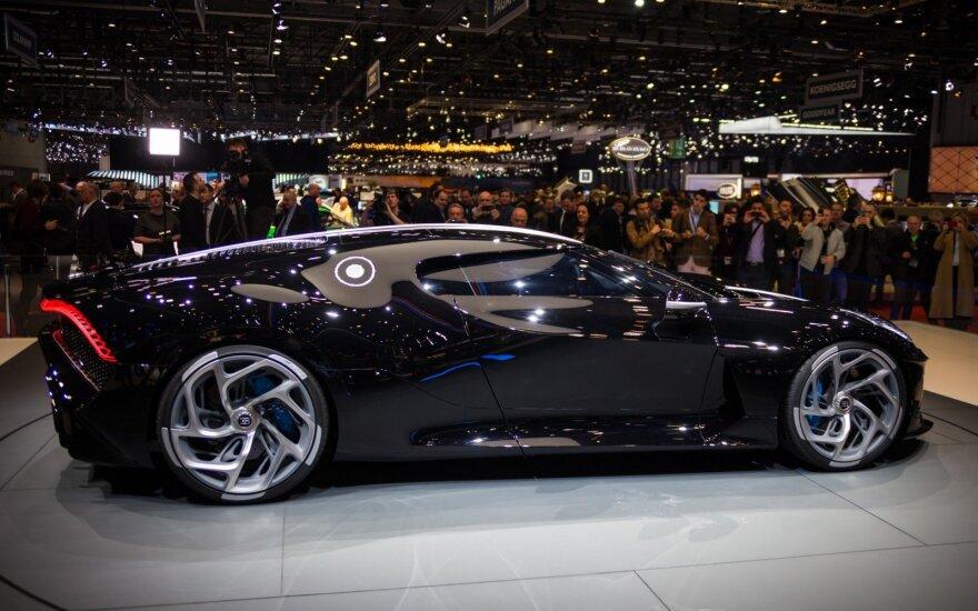"""""""Bugatti"""" pristatė brangiausią kada nors pagamintą automobilį – """"La Voiture Noire"""""""
