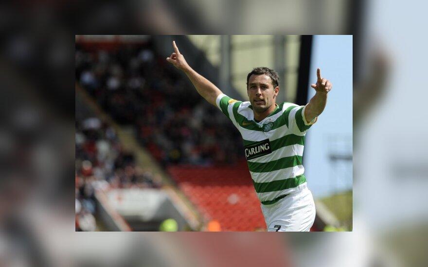 """Scottas McDonaldas (""""Celtic"""") džiaugiasi įvarčiu"""