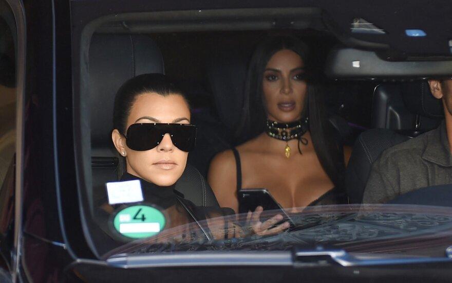 Kim ir Kourtney Kardashian