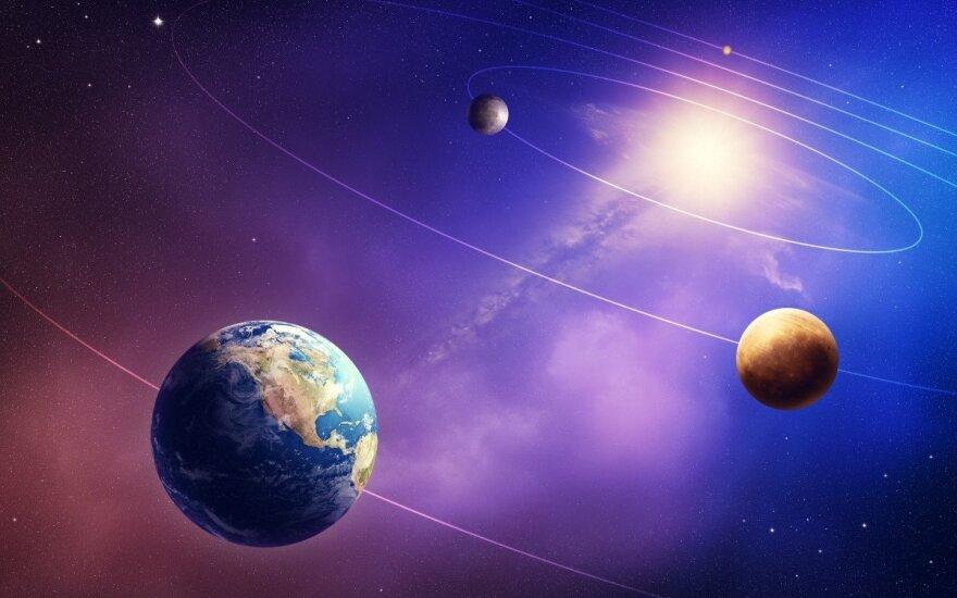 """Kaip susikalbėti dviems atskiroms """"planetoms""""?"""