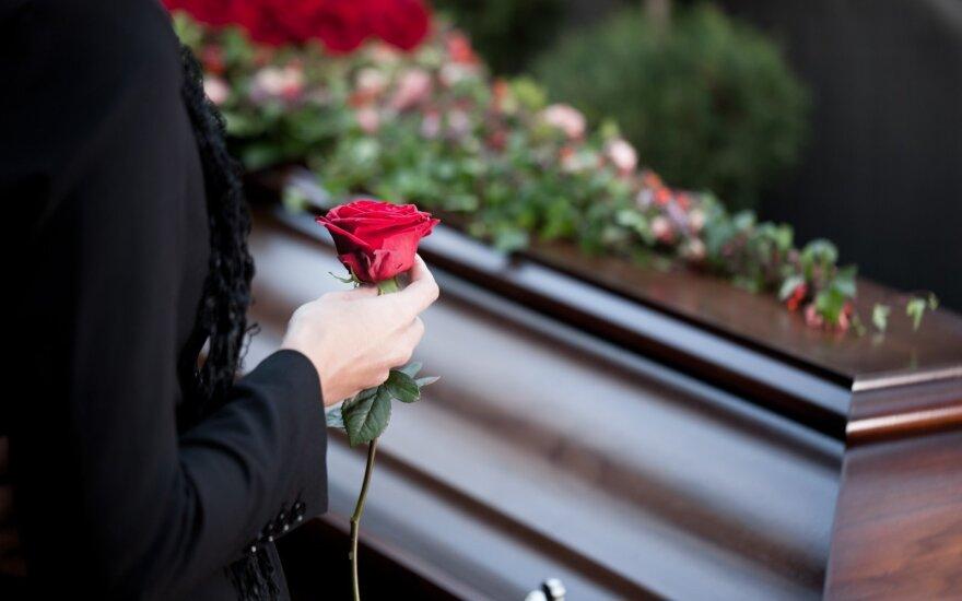 Kitoks požiūris į mirusiųjų palydas