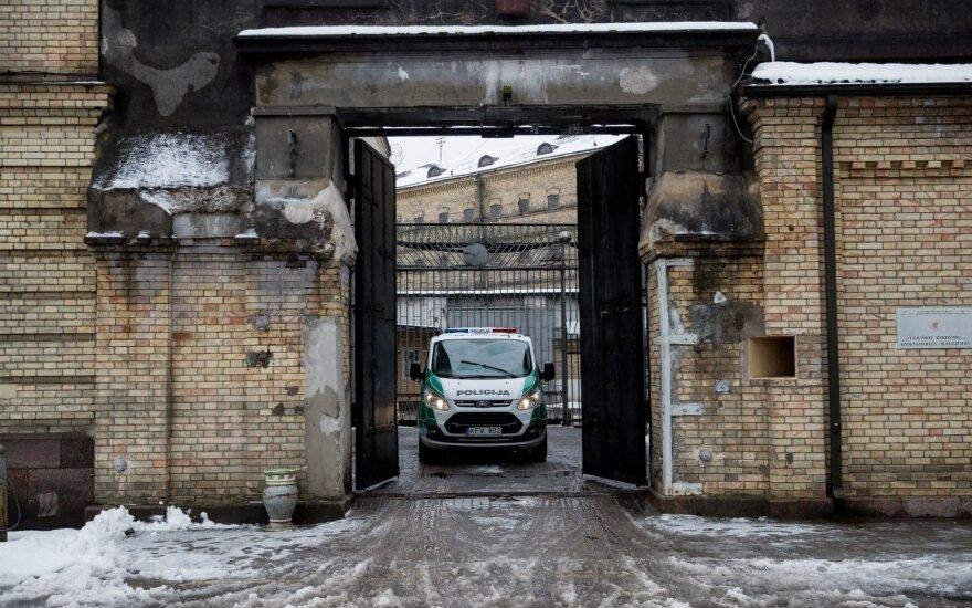 Iš Lukiškių jau išvežami iki gyvos galvos įkalinti žudikai: prieš išvyką – netradicinis prašymas