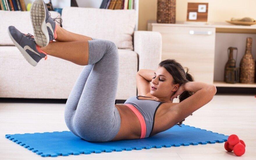 9 pratimai, tirpdantys pilvo ir klubų riebalus