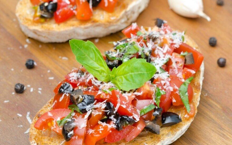 Itališki skrebučiai su sūriu ir daržovėmis