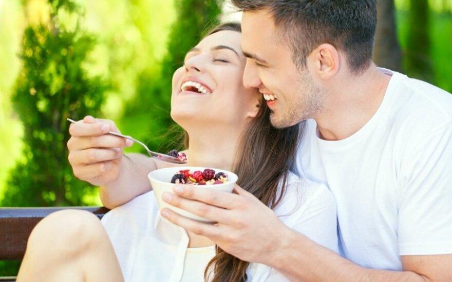 Ženklai, kad jūsų partneris yra laimingas su jumis