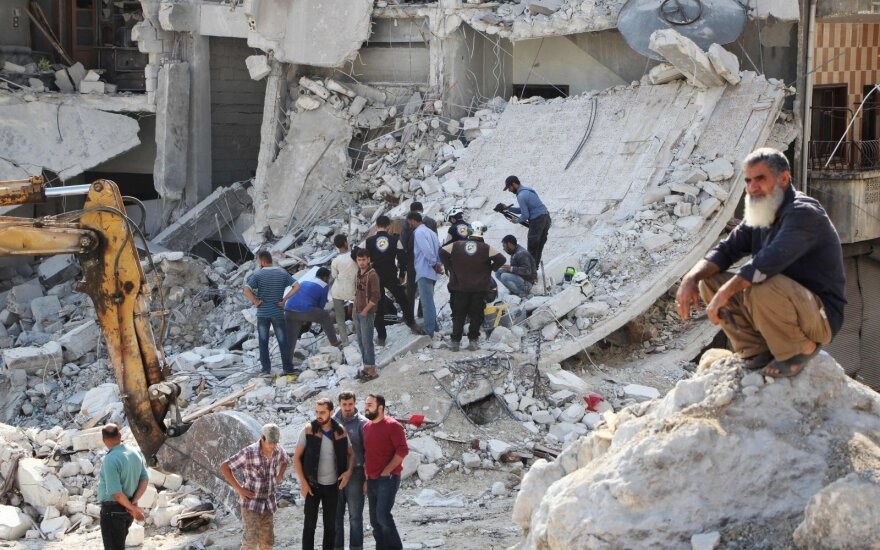 Sirijos Idlibo provincijoje per bombardavimus žuvo 16 civilių