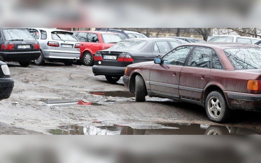 Vicemeras: automobilių stovėjimo vietų skaičių Vilniuje galima padidinti iki 40 proc.