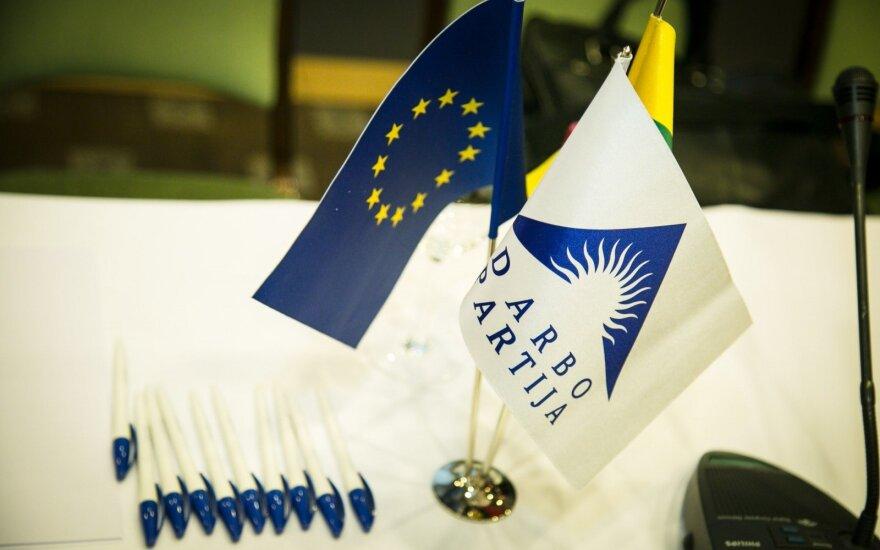 Darbo partijai vadovauti panoro dešimt kandidatų