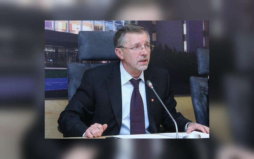 Opozicijos lyderis plenarinius posėdžius iškeitė į kelionę