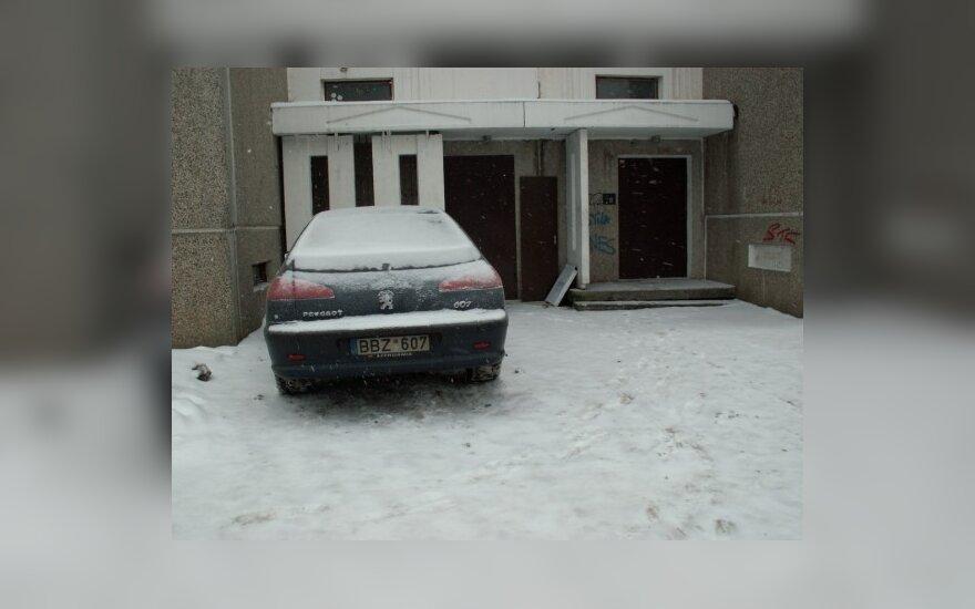 Vilniuje, S.Stanevičiaus g. 27. 2010-12-18, 11 val.