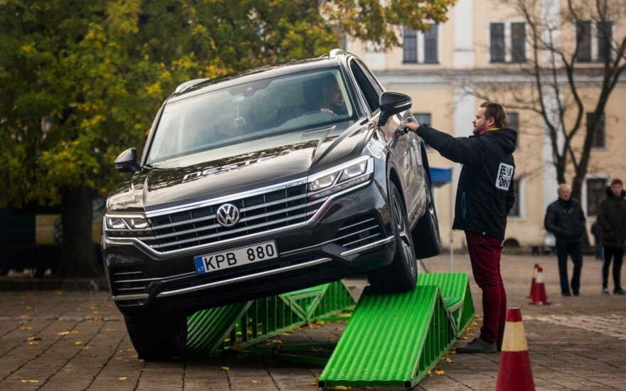 """""""Metų automobilis 2019"""": visureigių testai"""