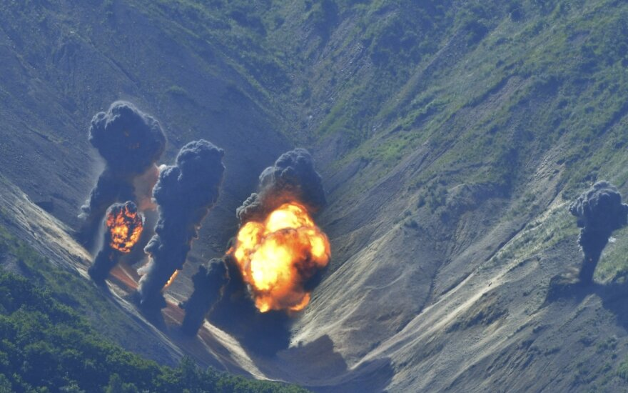 """Pietų Korėja turi atsakymą agresyviai kaimynei: kuria """"Frankenšteino raketą"""""""