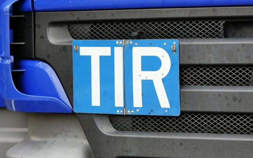TIR guarantees continued to decline in October, Lithuanian road carriers say