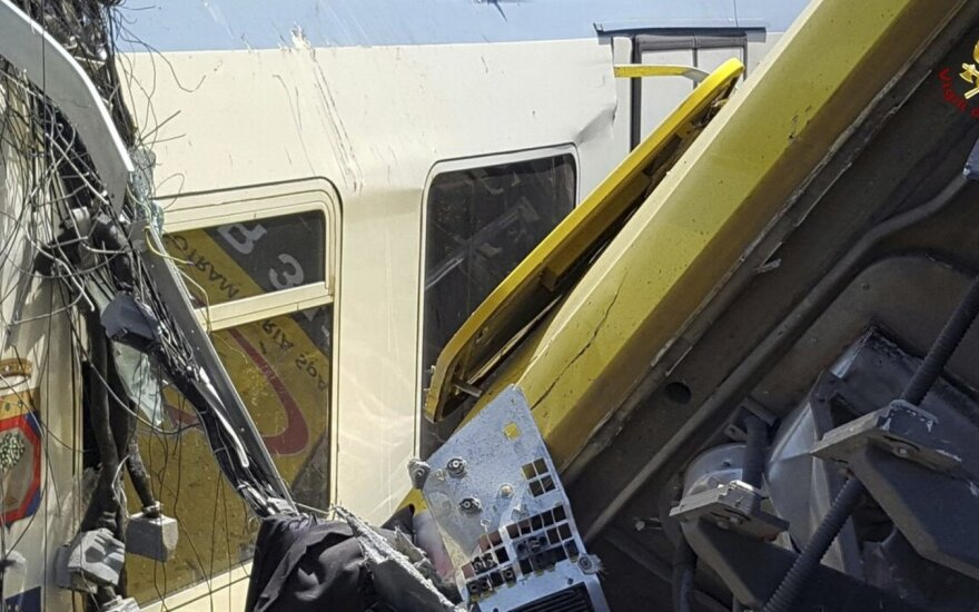 В Италии столкнулись два пассажирских поезда: пострадали более 50 человек