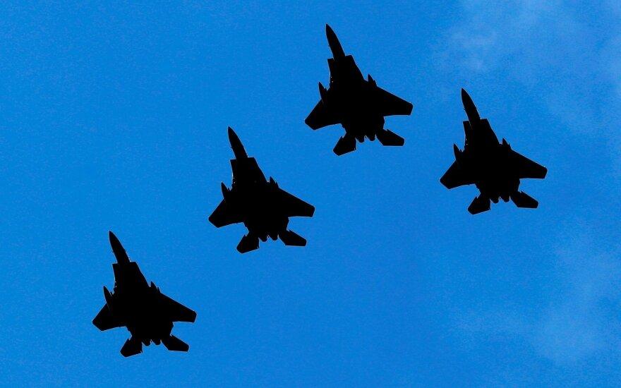 """Indonezija įsigis prancūziškų """"Rafale"""" ir amerikietiškų F-15 naikintuvų"""
