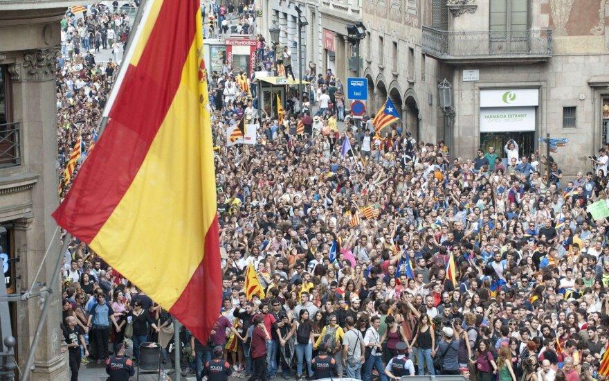Penktas didžiausias Ispanijos bankas ketina trauktis iš Katalonijos