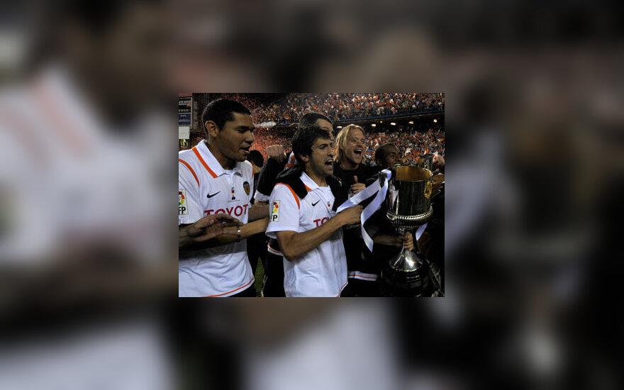 """""""Valencia"""" futbolininkai iškovojo 2008 m. Ispanijos karaliaus taurę"""