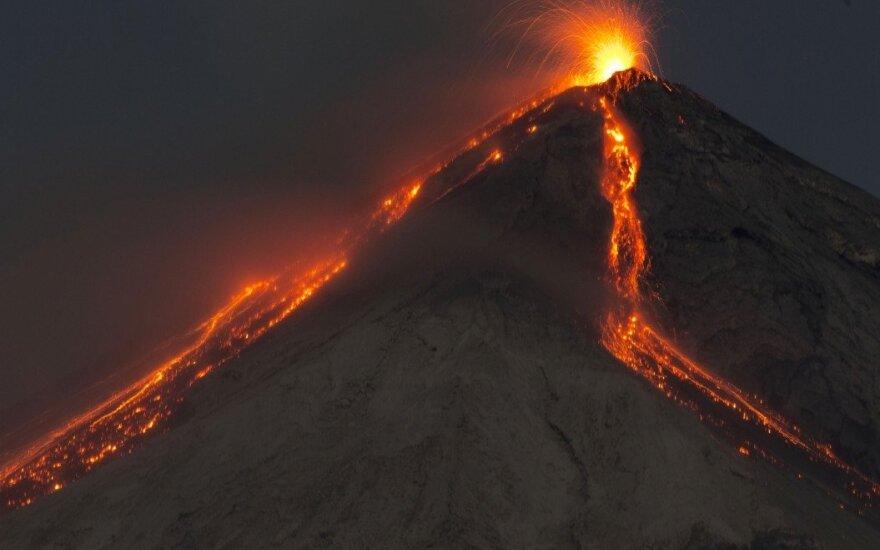 ФОТО, ВИДЕО: от взрыва на мексиканском вулкане Попокатепетль содрогнулись окрестности