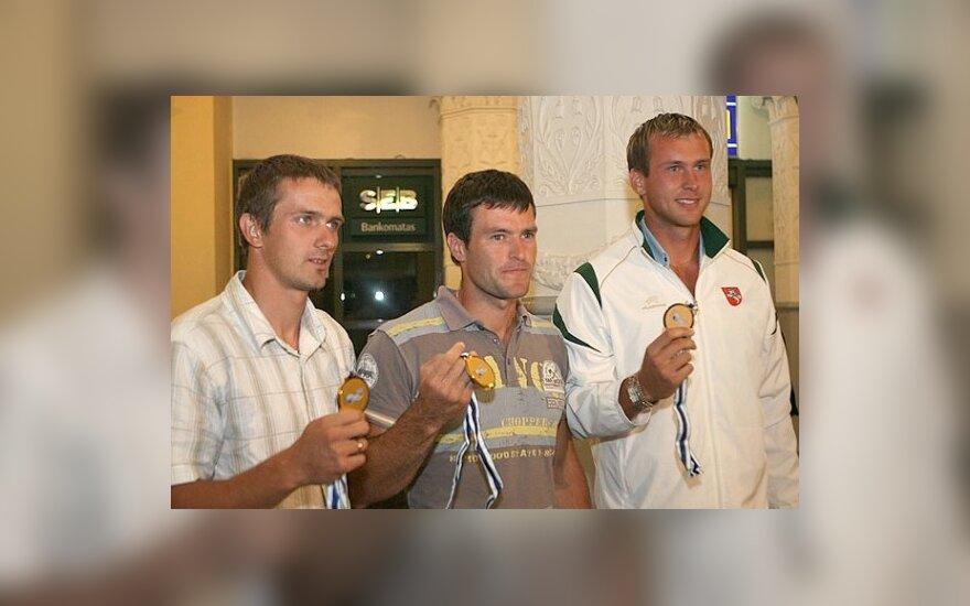 Kanojininkai J.Šuklinas, R.Labuckas bei T.Gadeikis - Europos čempionai