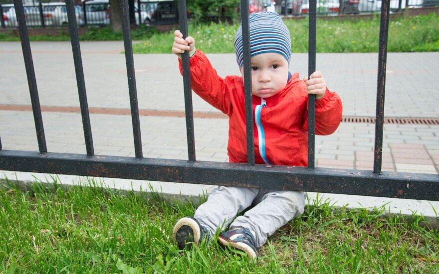 Vilniuje šimtai šeimų liko apgautos: vietos vaikams išdalintos neegzistuojančiuose darželiuose