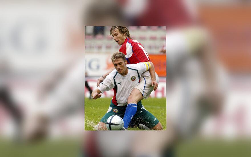 Pavel Nedved (Čekija) vs. Stilian Petrov (Bulgarija)