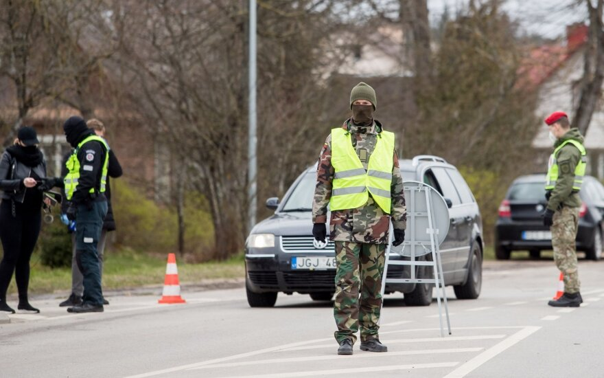 Police to set up 250 roadblocks on weekends, during holidays