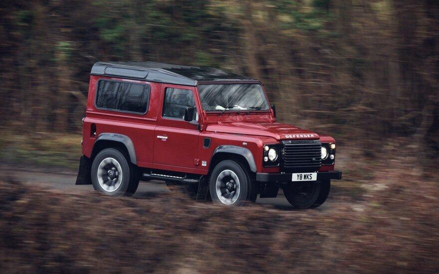 """Jubiliejaus proga išleistas kolekcinis """"Land Rover Defender Works V8"""""""