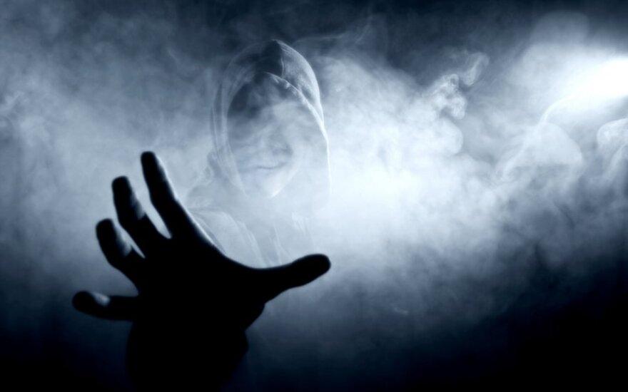 Šiurpi merginos patirtis: per spiritizmo seansą kviesta dvasia atsisakė išeiti