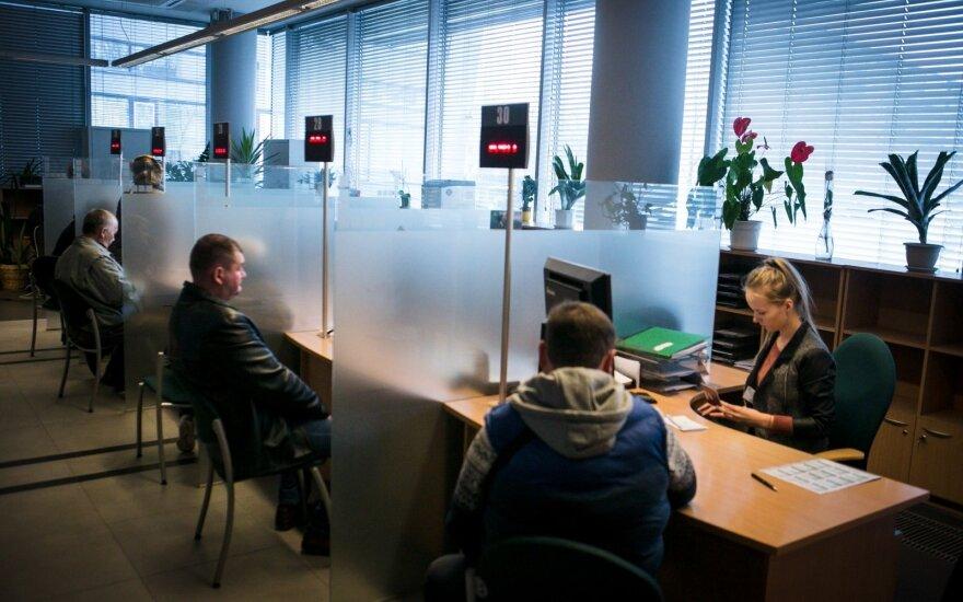 Mokesčių inspekcija siunčia priminimą dėl sąskaitų užsienyje