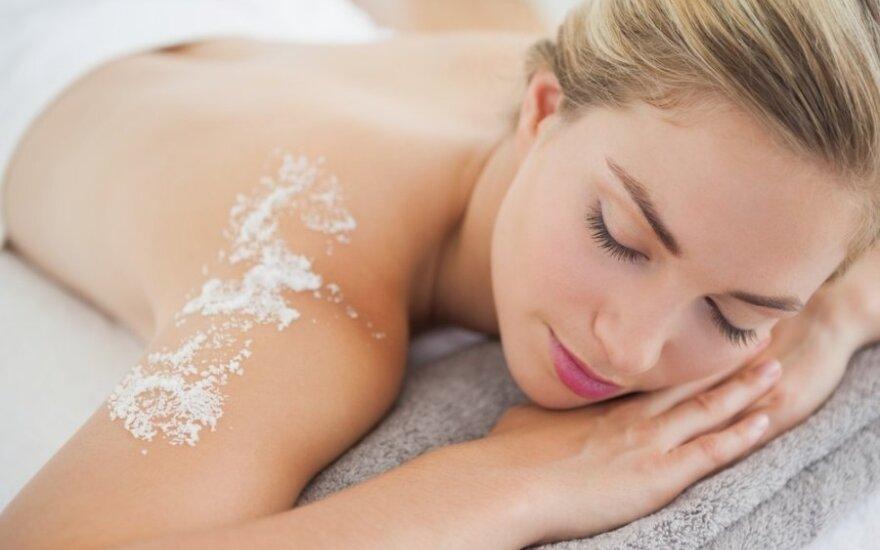 6 būdai, kaip tinkamai naudoti druską grožiui