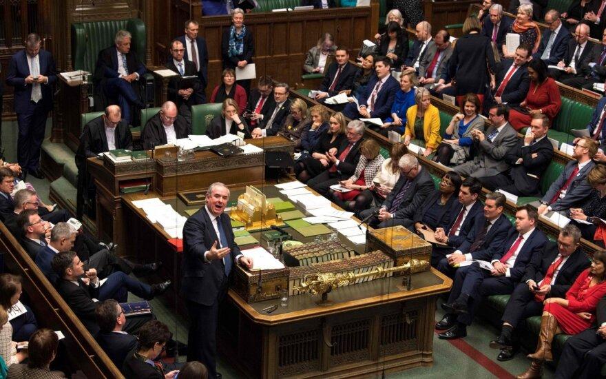 """Britanijos parlamentas antrąkart nepritarė """"Brexit"""" susitarimui"""