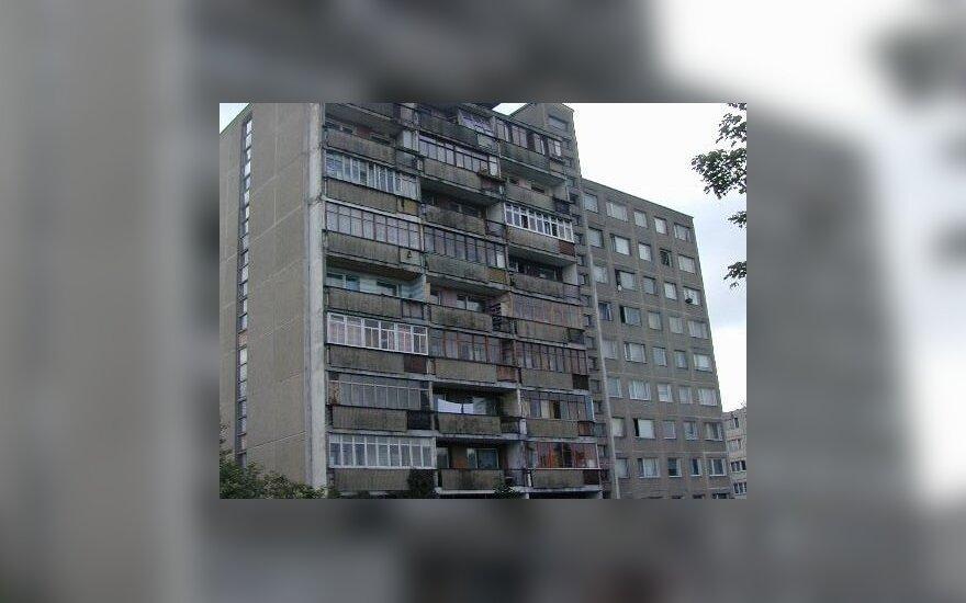 Policija sulaikė Vilniuje daugiabučio laiptinėje palikto vos gimusio kūdikio motiną