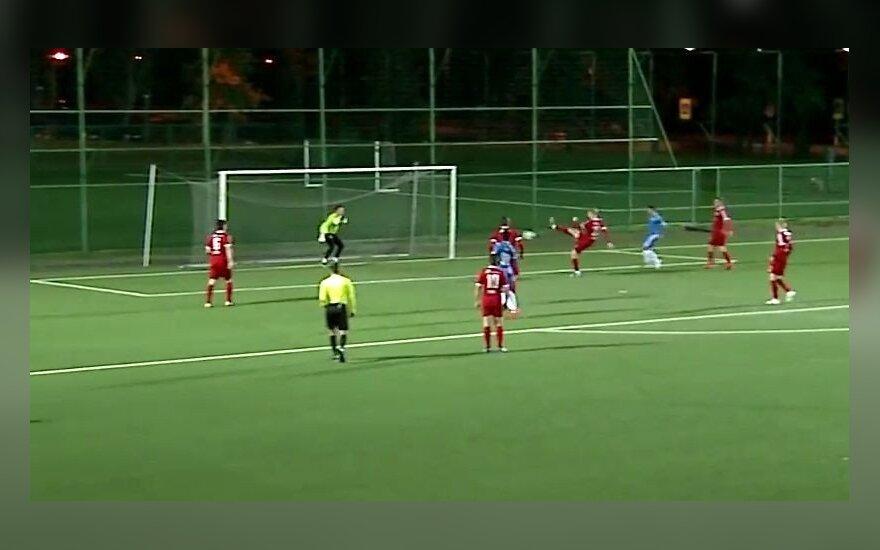 Lietuvos futbole – kuriozinis įvartis į savo vartus ir sensacingas rezultatas