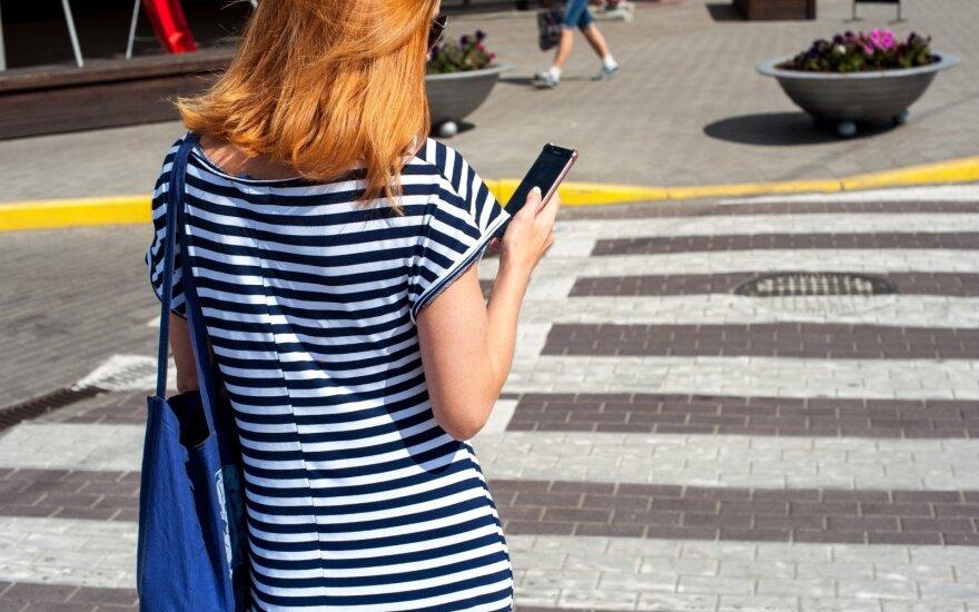 Pėsčiųjų perėja, telefonas