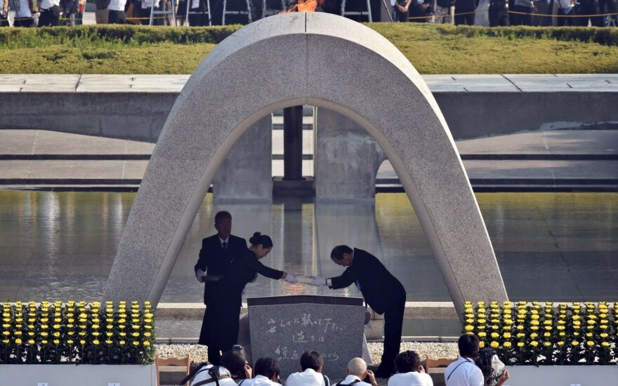 Lithuanian PM honors memory of Jew rescuer Sugihara, Hiroshima victims