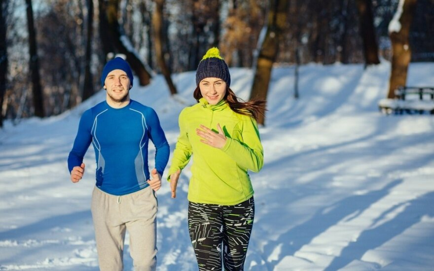 Trenerė perspėja – sportuojant lauke nušalti galima ir esant nedideliam šaltukui
