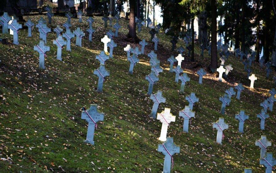 KPD aiškinasi dėl sovietinės simbolikos ant sovietų karių kapų Vilniuje