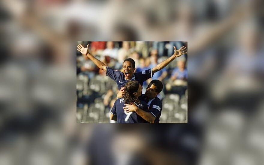 """Lucio, Marko Pantelic ir Andre Lima (""""Hertha"""") džiaugiasi įvarčiu"""
