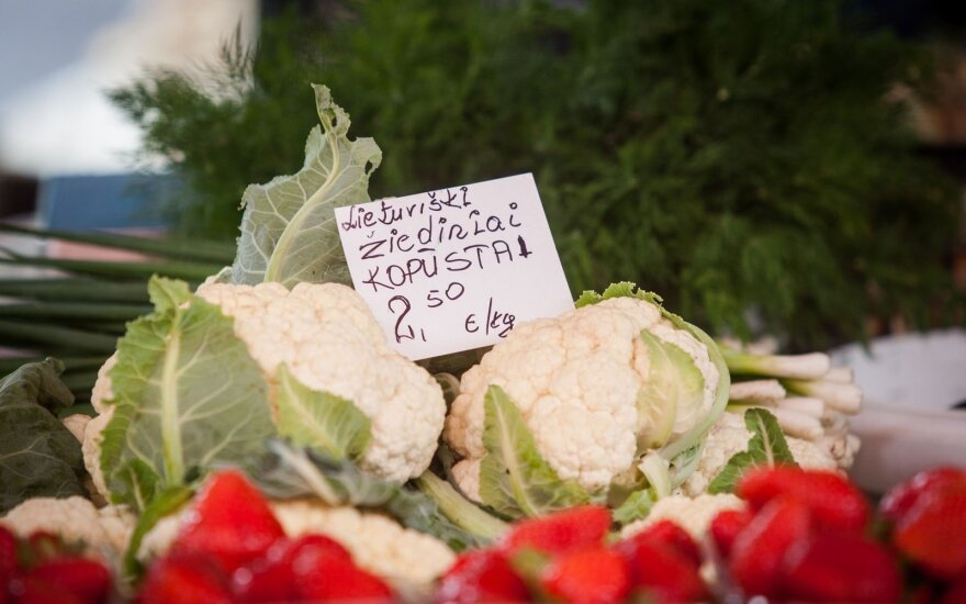 Small farmers find it difficult to get their vegetables on supermarket shelves
