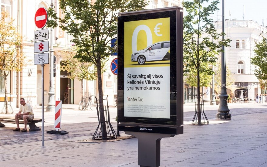 """Po tarnybų įspėjimų """"Yandex. Taxi"""" griebiasi šiaudo"""